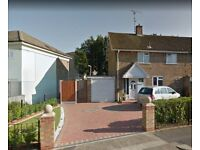 3 bedroom end of terrace house to rent in Basildon