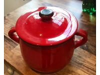 Red small casserole pot with lid