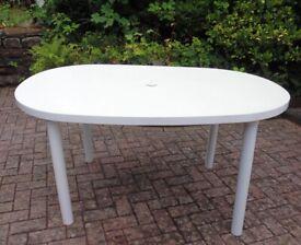 Garden Oval 6 Seater Table