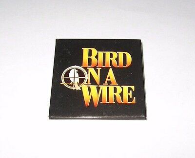 RARE 1990 BIRD ON A WIRE MOVIE PROMO PIN - MEL GIBSON GOLDIE HAWN BUTTON