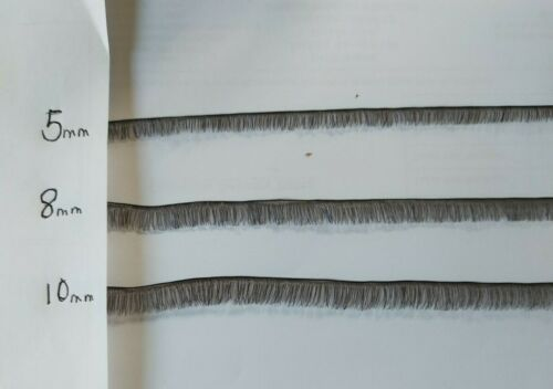 STRIP OF BLACK FINE DOLL EYELASHES IN A VARIETY OF LASH LENGTHS