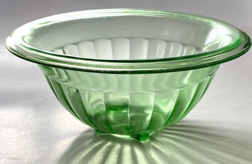 DG Depression Glass MIXING BOWL Everted Rim Convex Exterior Panels Square Foot