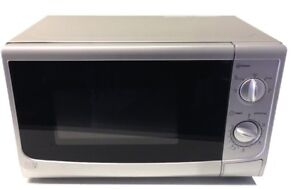 17l Silver Compact Design Caravan Manual Microwave Oven 700w 5 Settings
