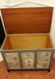 Grey large Parisienne storage box