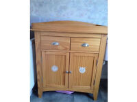 Next changing table 'Olly and Molly'