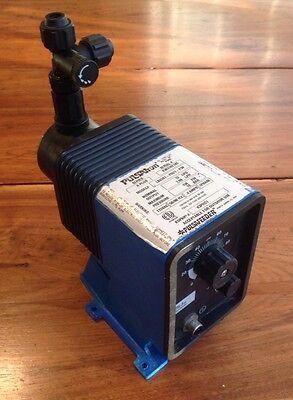 Pulsatron Pulsafeeder Electronic Metering Pump Lb03s1-phc1-p39 Series A Plus