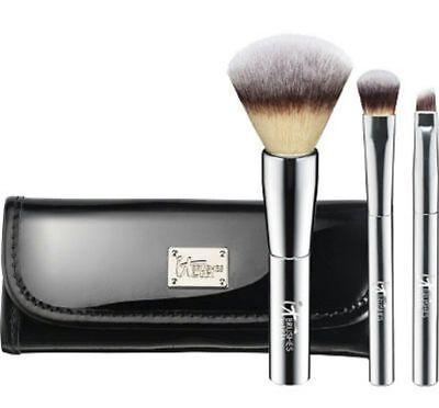 it Cosmetics Brushes for Ulta YOUR BEAUTIFUL BASICS 3pc Travel Brush Set (Basic Makeup)