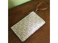 Michael Kors Travel Vanilla Signature Logo Wristlet Pouch / Makeup Bag / Clutch Bag