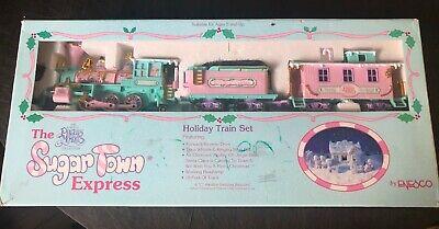 Vintage Enesco PRECIOUS MOMENTS SUGAR TOWN HOLIDAY EXPRESS TRAIN SET