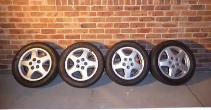"""Standard Nissan Alloy Wheels 16x6.5"""" 5x114.3 PCD"""