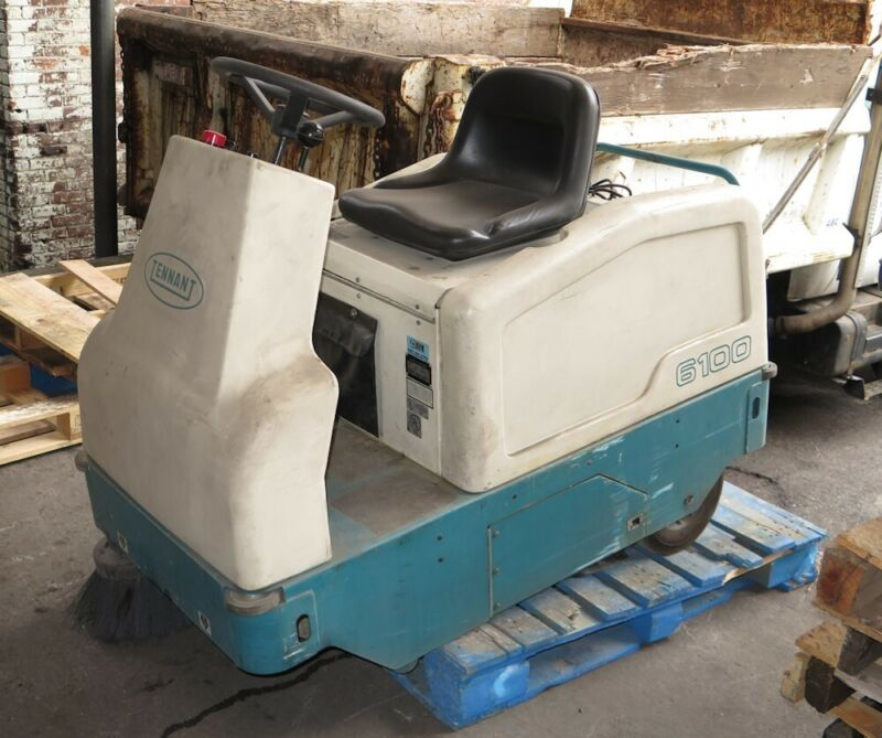 Tennant 6100 Ride-On Sweeper (36-volt) - New Batteries - 164 Hours!