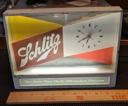 Schlitz Beer Sign and Clock - Excellent working condition