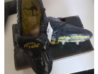 pele size 10 football boots screw in studs brand new in box