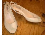 lovely cream shoes size 4