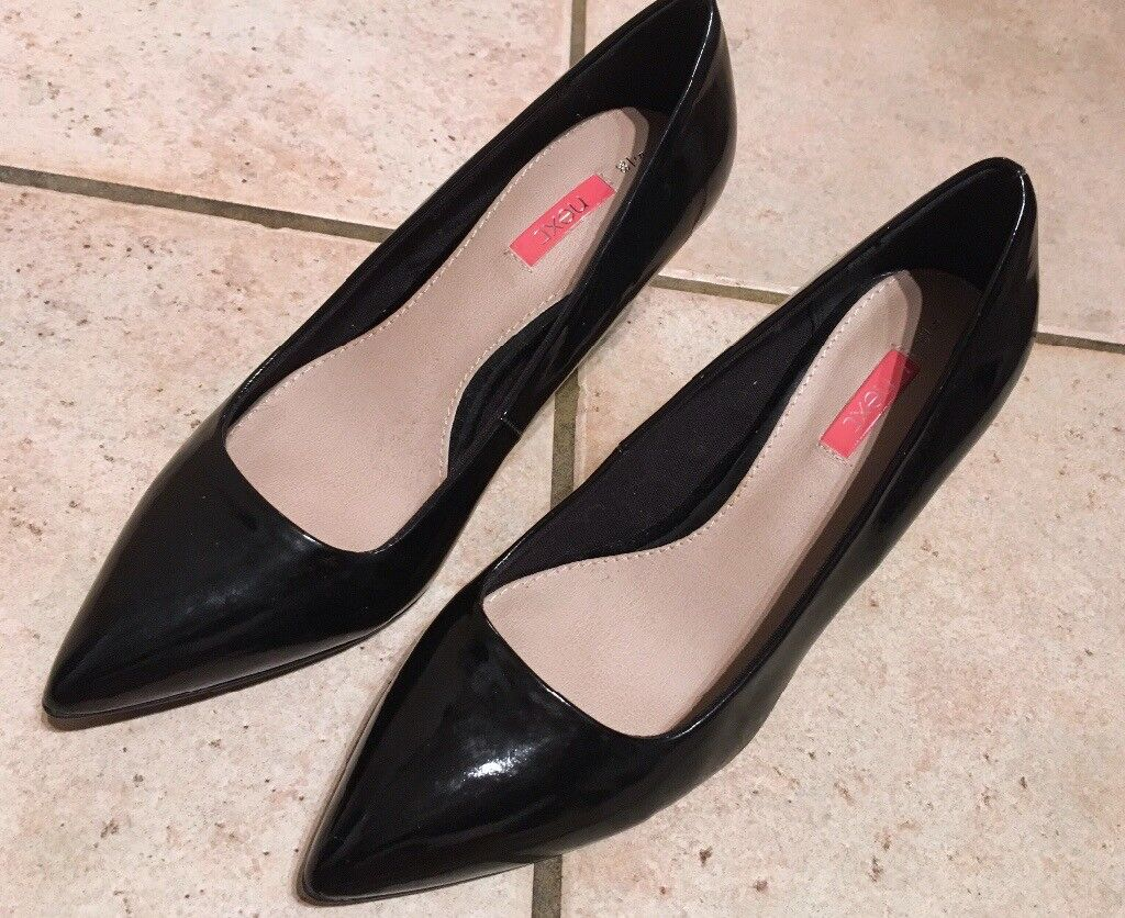 Black patent leather court shoes size 5 Next NEW