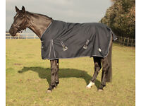 Light Weight Outdoor Horse Rug - Various Sizes - NEW