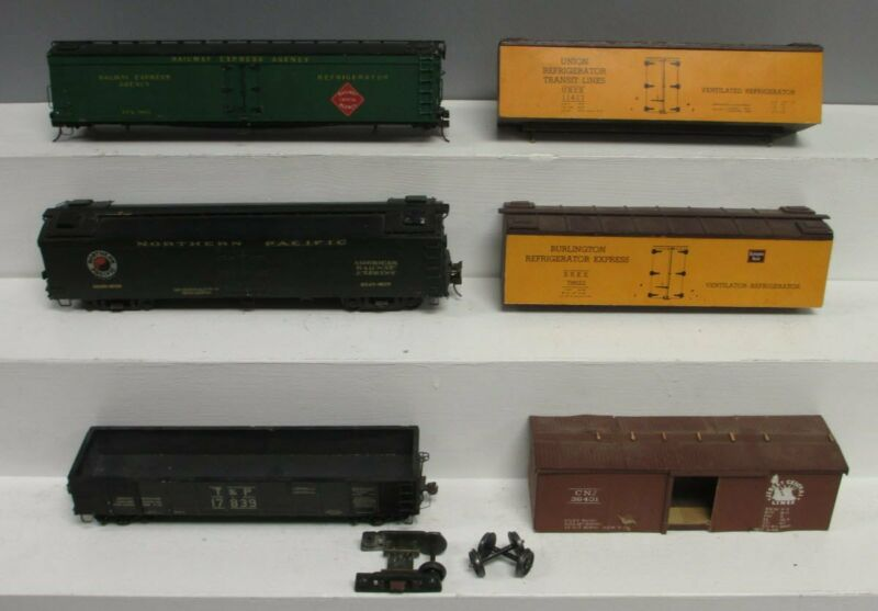 O Scale 2 Rail Assorted Freight Cars [6]