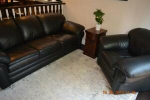 3 ps. Leather Living Room Sofa Set (Mint condition) for Sale