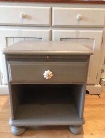 Solid wood bedside/cabinet/side table