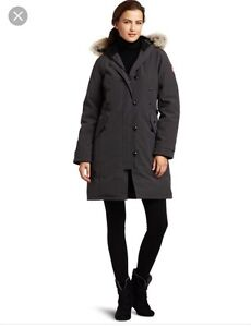 Canada Goose Women's Kensington Down Coat New Without Tags Small