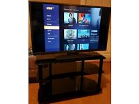 """Hitachi 40"""" LED TV with freeview"""