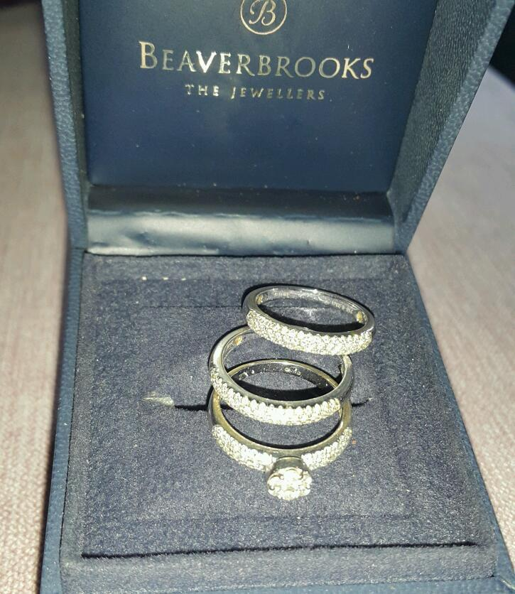 Set of 3 18ct white gold ladies rings with SI diamonds 1.1ct total size Hin Alfreton, DerbyshireGumtree - Stunning set of 3 ringsMain ring has flower shaped main stone with diamond studded shouldersOther 2 are diamond studded half bandsWhite gold 18ct hallmarked Original cost 15 years ago £1270Insurance valuation certificate from 2014 £3200Size HColour...