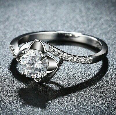- Aventura Jewelry Woman's Daisy Dazzle Flower Ring with Swarovski Crystals ITALY