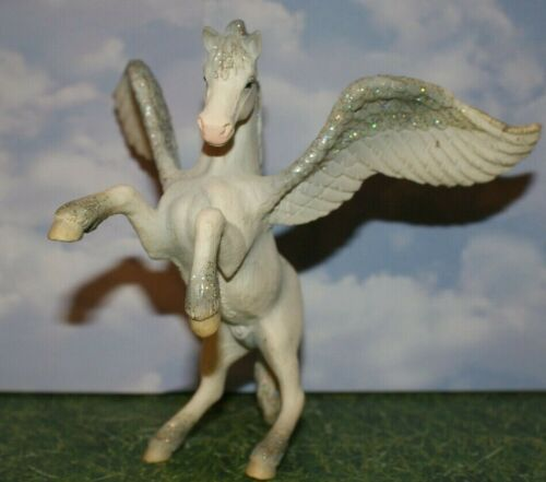 Rearing Pegasus  Bayala  by Schleich World of Elves 2004