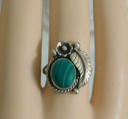 Vintage Native American Sterling Silver Malachite Ring Signed Sterling NAKAI