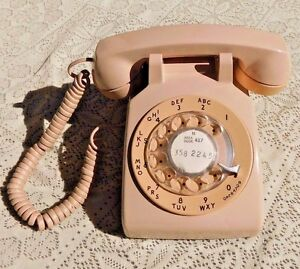 VINTAGE-1980-BEIGE-DESK-PHONE-ROTARY-DIAL-TELEPHONE-W-WALL-CORD-SOUTHWESTERN-BEL