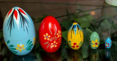 Vintage Hand Painted 5 Nesting Easter Eggs made in Poland Matryoshka - Set 2