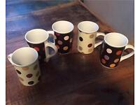 7 x Tea / Coffee cups/mugs