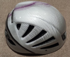 PETZL METEOR iii HELMET for mountaineering, cycling, canoeing, whitawater sports
