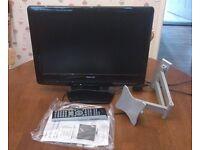 """Toshiba 19"""" TV/DVD combi LCD HD Ready + wall arm bracket"""