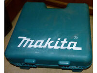 MAKITA 8391D Cordless Hammer Drill, Two Batteries Case Charger & Extention Bits