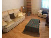 Flat Share on Duke St for 400 per month. All bills included.