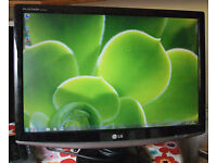 "LG 22"" widescreen LCD monitor for PC/ Mac / Laptop/ CCTV Security Camera - Great condition"
