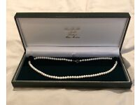 New with box freshwater Pearl necklace 40cm with gold plated clasp 5mm pearls