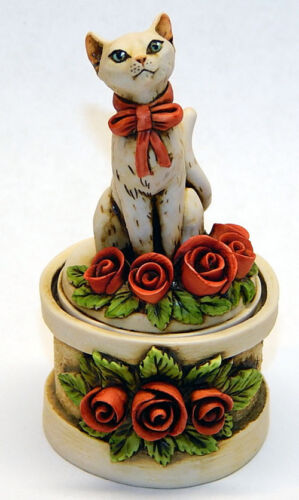 Harmony Kingdom Art Neil Eyre Designs Kitty Cat Red rose love jewelry ring box
