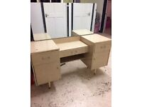 Dressing table with mirror, perfect for a bedroom, pick up only from E3 £30 ONO