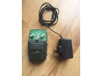 Tremolo pedal and power supply