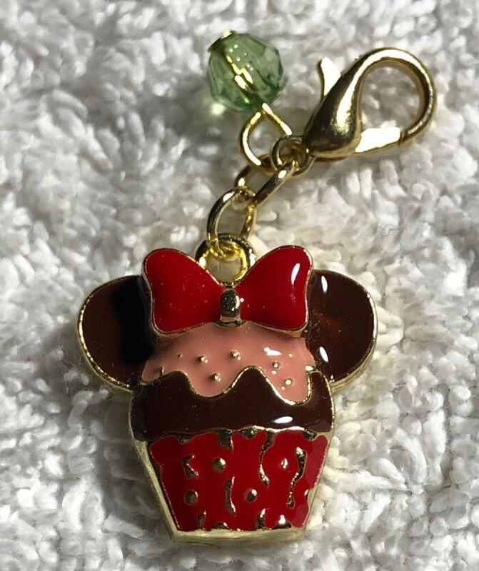 Disney Parks Charmed In The Park -Minnie Mouse Icon Cupcake Charm