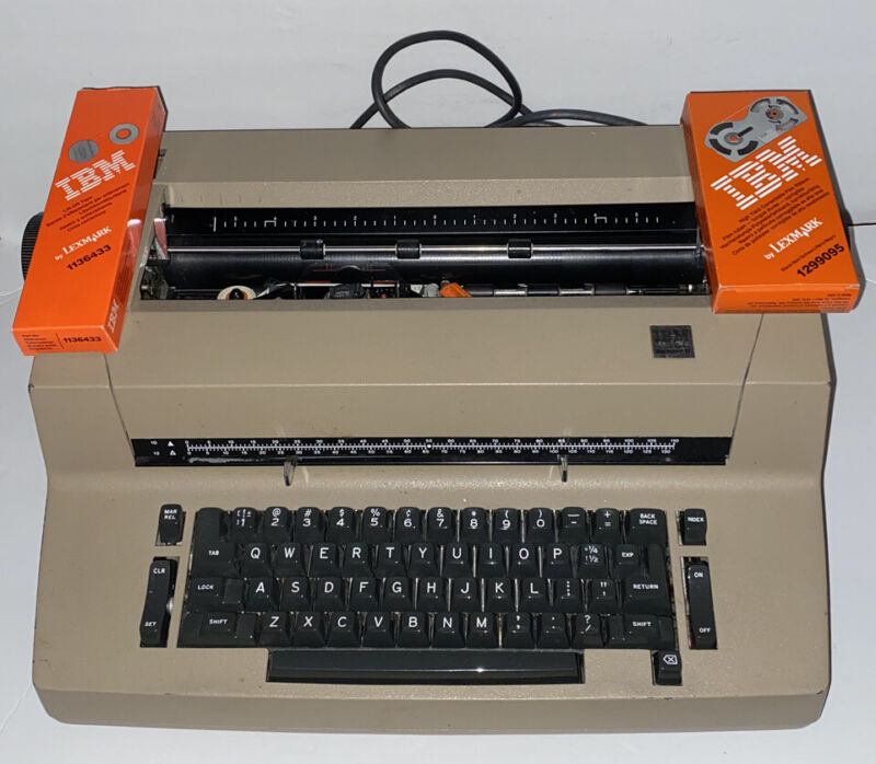 Green IBM Selectric II 2 Electric Typewriter Tested. Working. With Correction