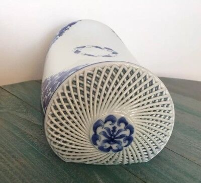 Chinese Vintage Blue & White Porcelain Pillow Weaved Pattern Floral Asian Statue (Porcelain Pillow)