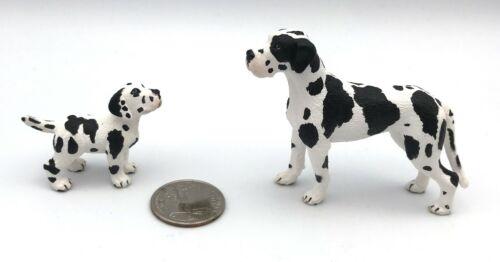 Schleich GREAT DANE w/PUPPY Harlequin Female Adult Baby 2009 Dog Figures