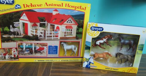BREYER  Deluxe animal Hospital and extra 4 horse gift set