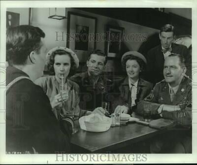 1946 Press Photo Myrna Lou and cast of