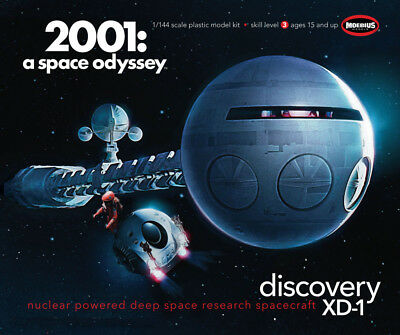 Moebius 2001 A Space Odyssey Movie  Discovery XD-1 Ship model kit 1/144