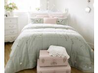 Susie Watson Designs Reversable Quilt/Bedspread