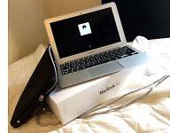 Apple MacBook Air - Intel core i5 / 1.4Ghz / 120gb storage / with box & case
